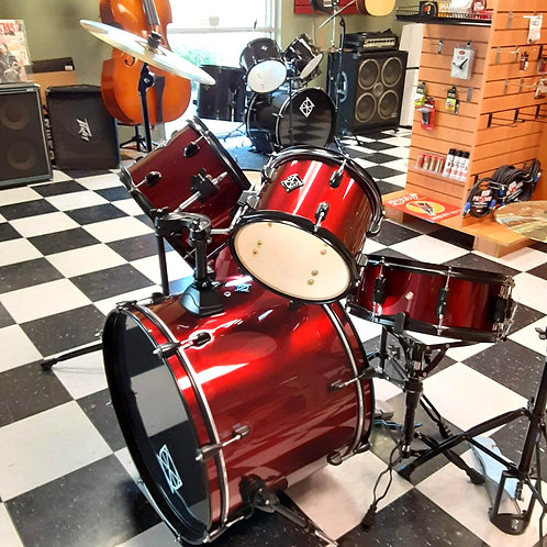 Dixon 5-pc Drumset w/Cymbals and Stands