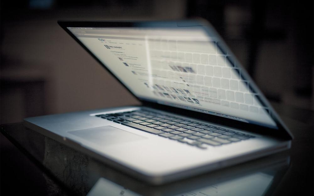 Ремонт корпуса ноутбука. Ремонт петель экрана ноутбука. Замена клавиатуры ноутбука. Замена экрана ноутбука.