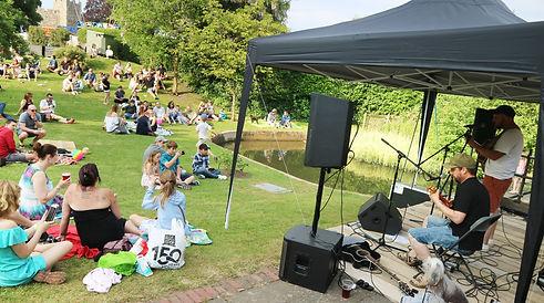 Gala Fest Music by the Pond 006.jpg