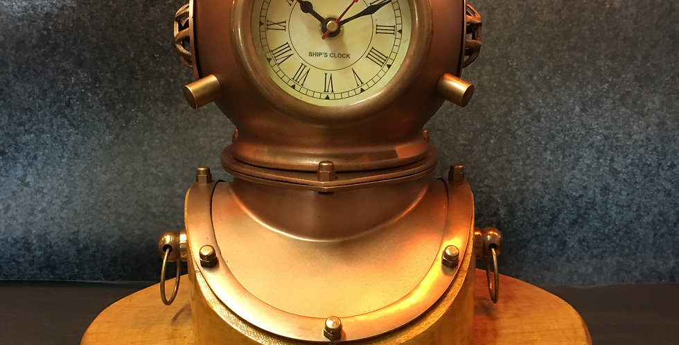 DIVERS HELMET TABLE CLOCK