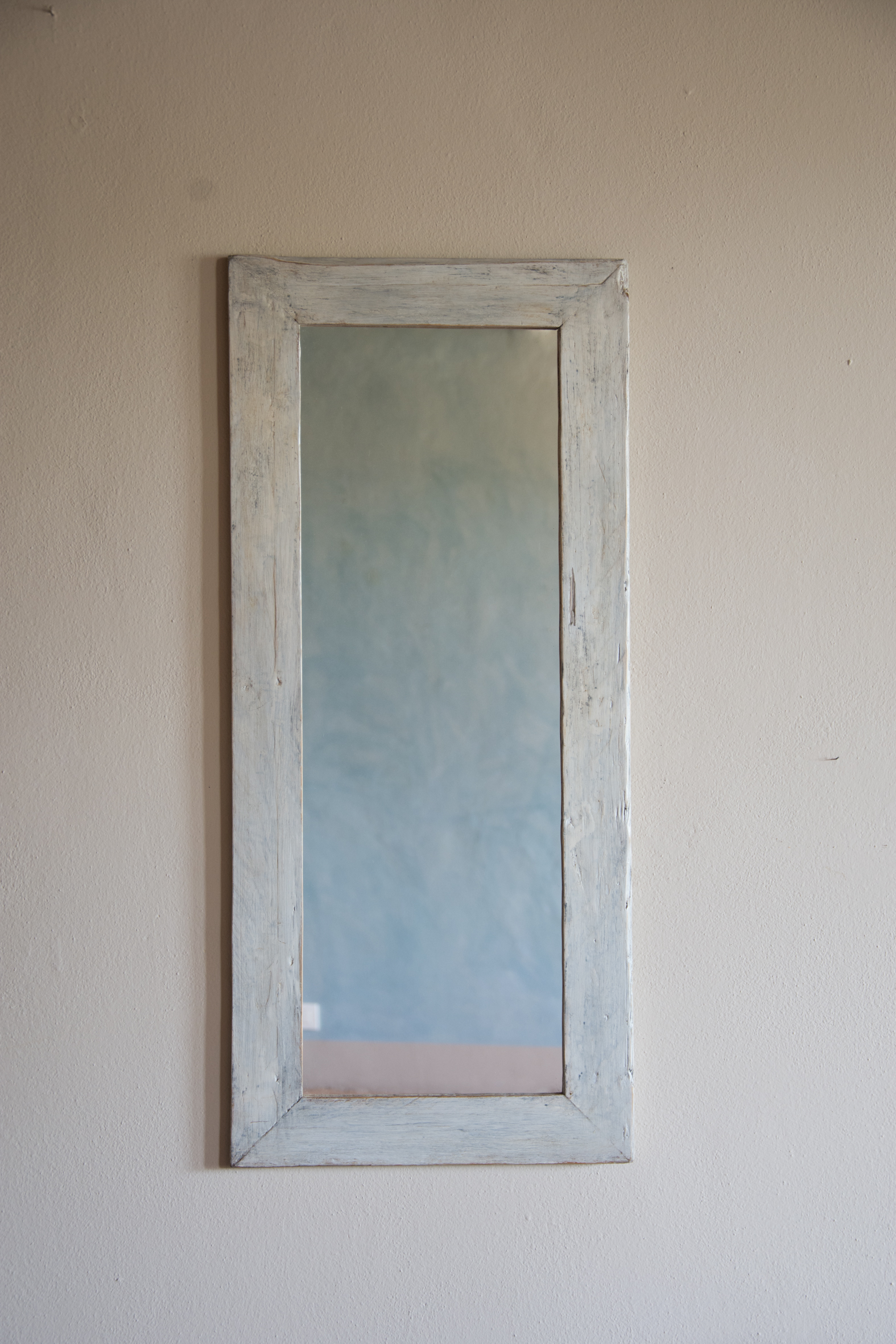 Specchio no.04 in legno di recupero ristrutturato bianco/grigio