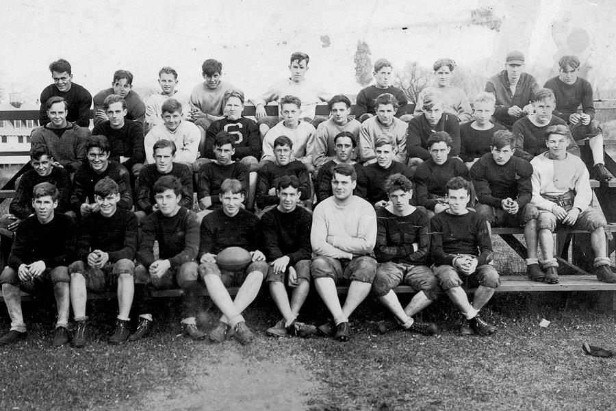 1931Football_Archival_©_MarbleheadImages