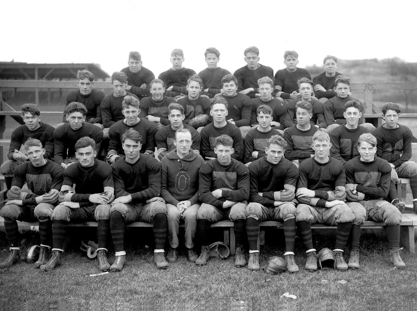 MHS Football 1923 @MarbleheadImages