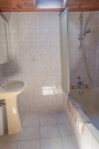 Gite La Borderie Bathroom