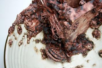 Cinderblock Bowl, Detail