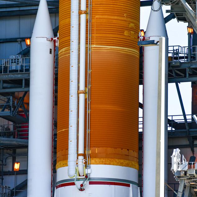 ULA - Delta IV GPS III LC-37 8-21-19m !-
