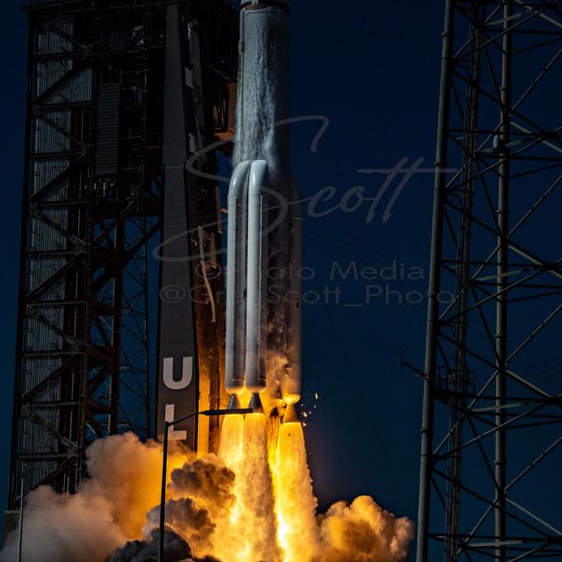 ULA AEHF-6 DSC_8760 wtr.jpg