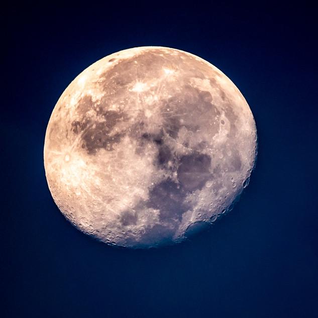 moon - our balcony 8-6-20.jpg