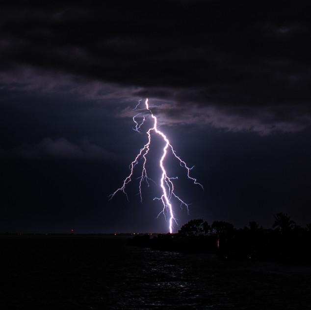 Lightning Jun22 2020 DSC_0992 wtr.jpg
