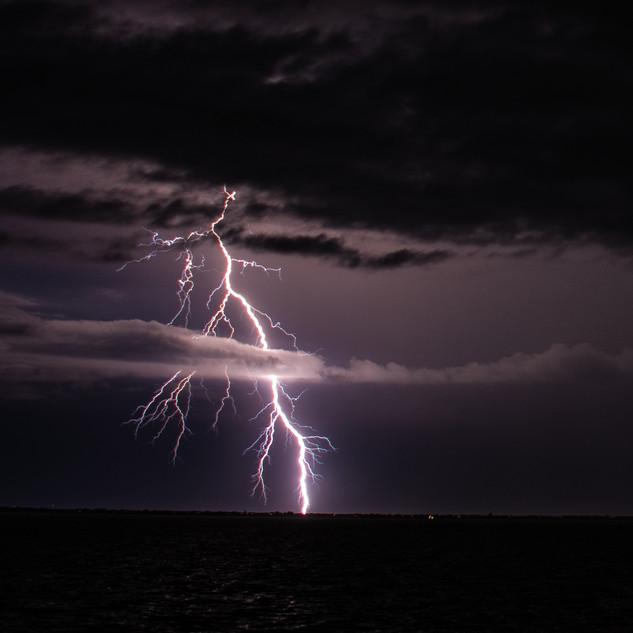 Lightning Jun22 2020 DSC_0989 wtr.jpg