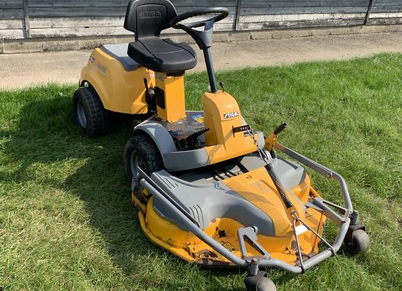 Stiga park compact ride on lawnmower