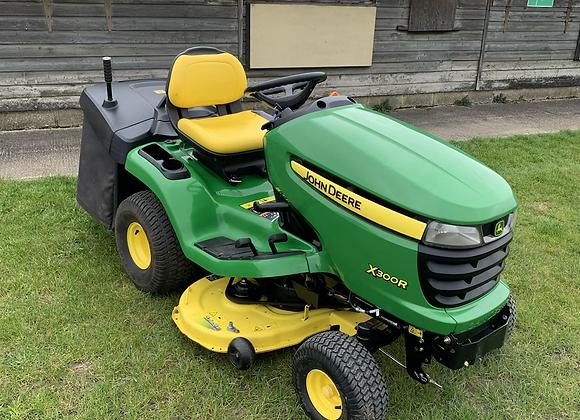 John Deere X300R ride on lawnmower