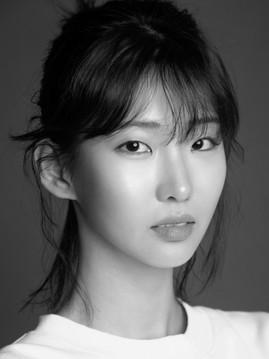 김 연 수