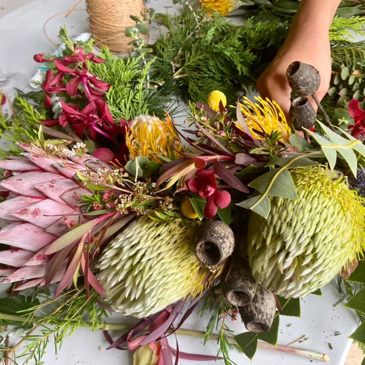 CHRISTMAS WREATH MAKING PRESENTED BY THE WILD ROSE FLORIST (1)
