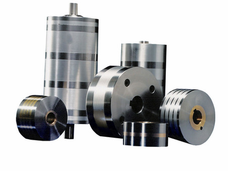 Magnet conveyor rollers