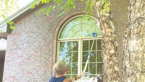 The man behind the business —local window washer also runs marathons