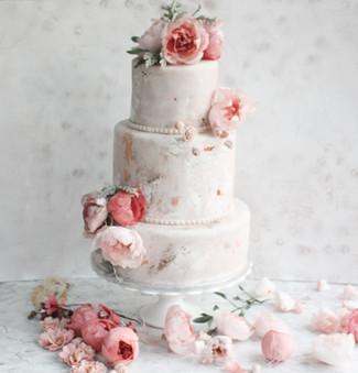 Weddimg cakes surrey