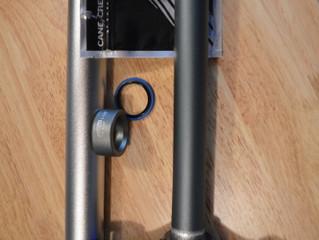Préparation d'une fourche pour installation sur vélo de montagne