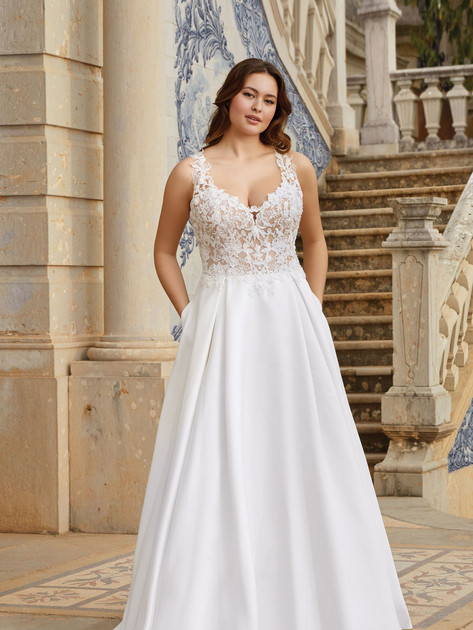 Sincerity  44170  Size 18