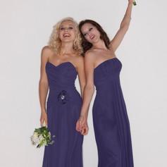 Romantica Cora (left)