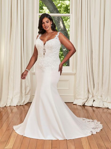 Sophia Tolli  Y21985  Size 24