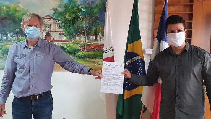 Prefeitura de Ubá assina protocolo de intenção com Instituto Butantan para aquisição de vacinas