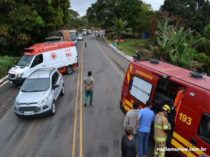 Dois veículos da cidade de Eugenópolis se chocam de frente próximo a Comunidade da Pratinha e duas p