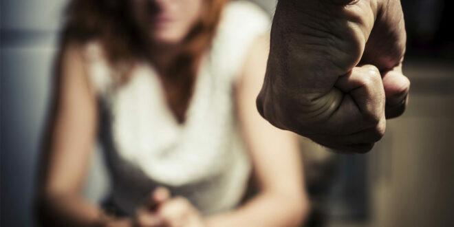 Homem é preso acusado de espancar e estuprar a companheira em Varre-Sai