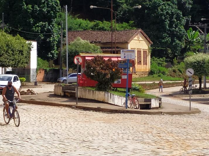 Ocupação indevida de espaço urbano no centro de Eugenópolis, deu o que falar.