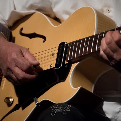 25-studiocollin-blueswing.jpg