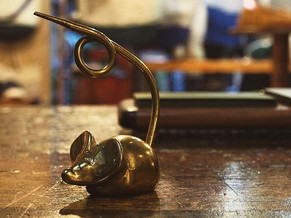 🐁_Vintage Paperweight _Mouse_.jpe