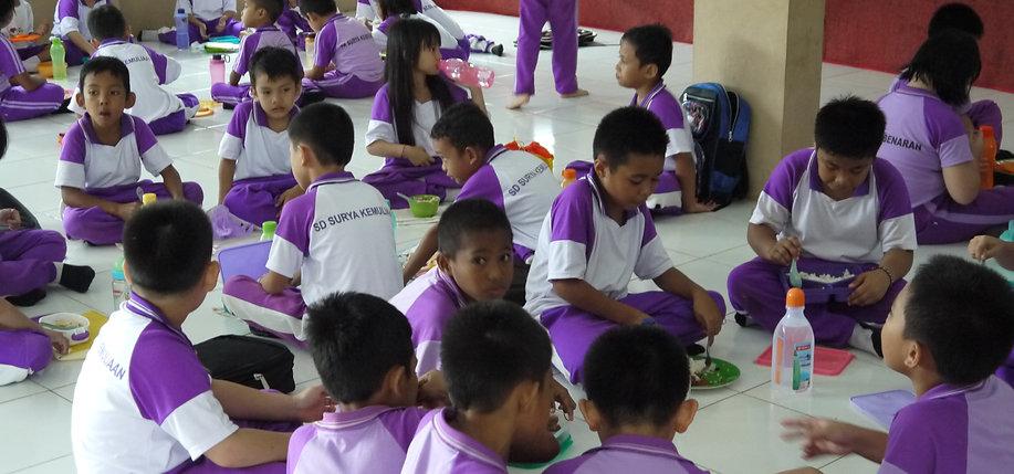 印尼小學生午餐
