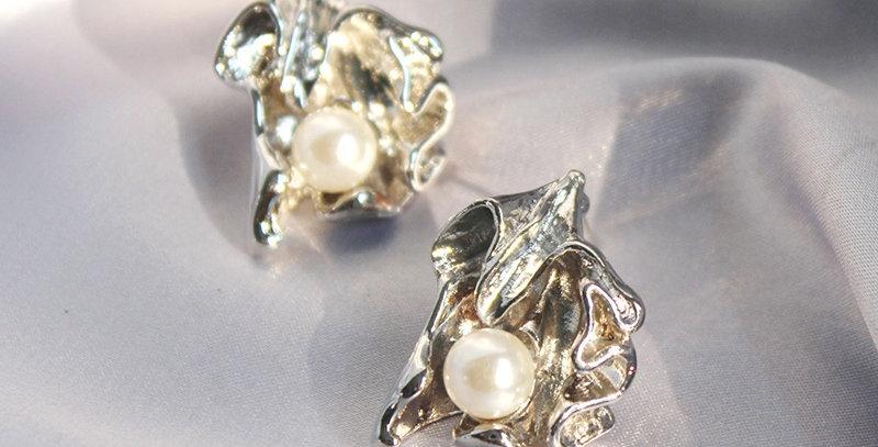Pearl Metal Earrings