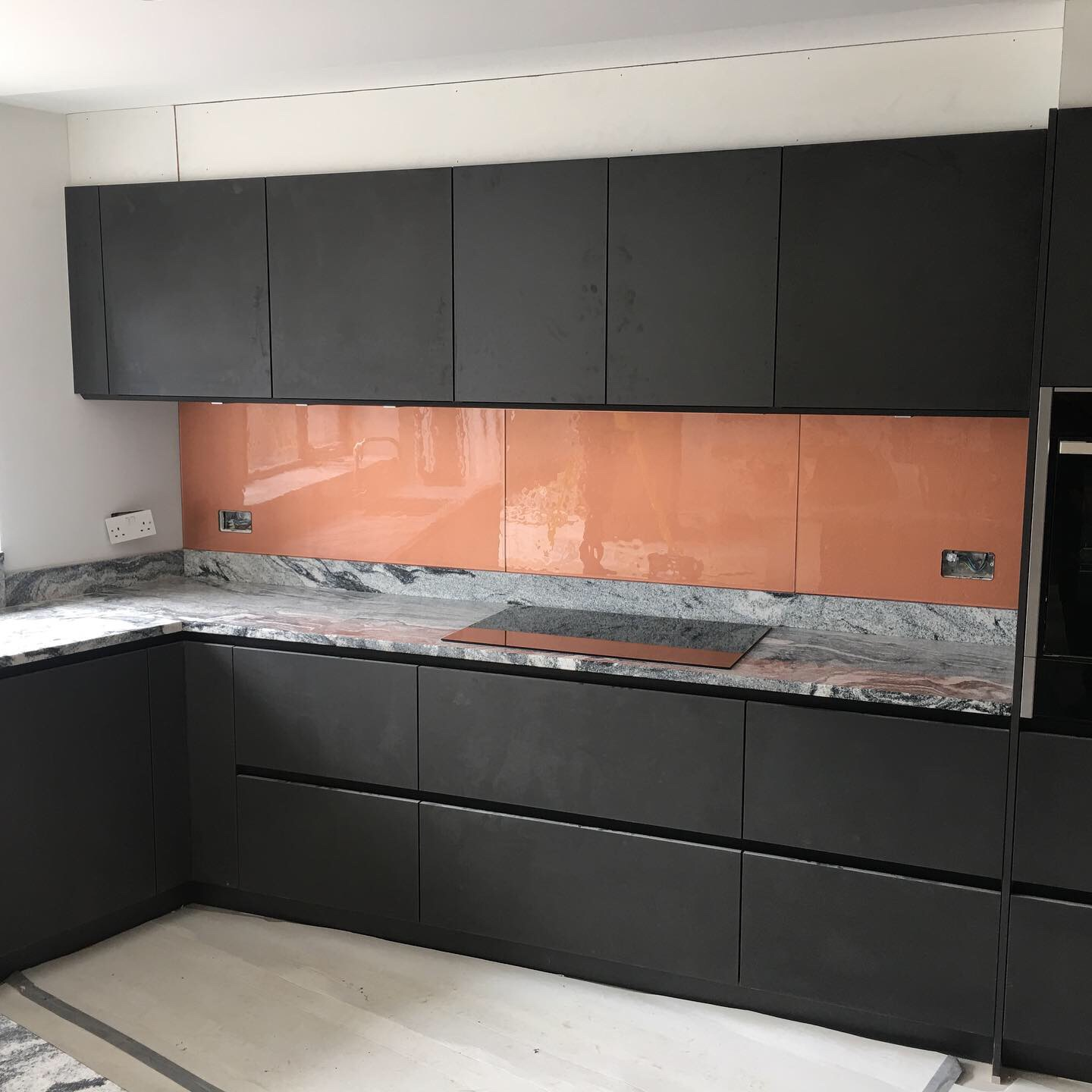 Copper textured - black units