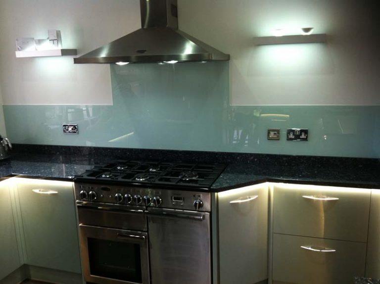 Astral blue - metallic kitchen