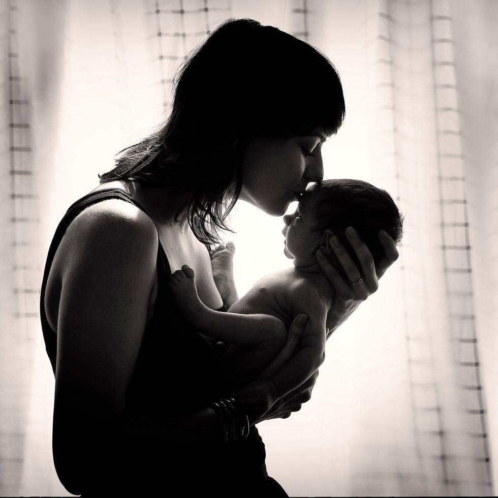 Anna Rasmussen | Newborn Photography | Těhotenské foto | Praha Prague Czechia