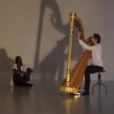 Dans med Harpe