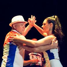 bubble-contact-quebec-danse-latine.jpg