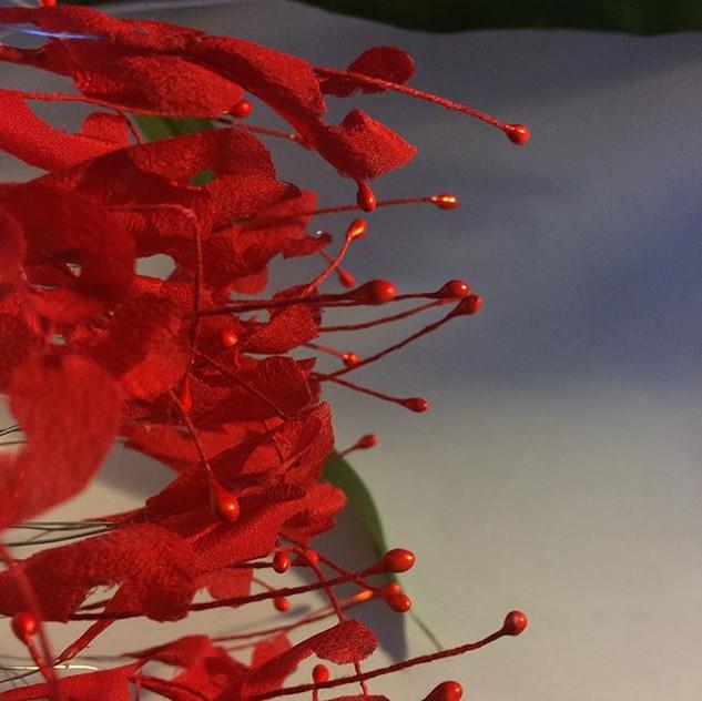 Native silk flowers on the workbench #na