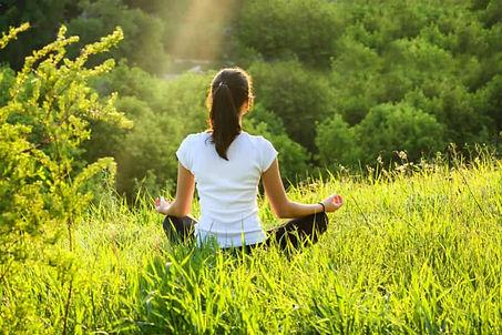Meditar en naturaleza.jpg