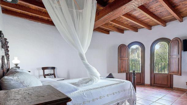 Villa-Bella-Dalt-41-Bedroom-5.jpg