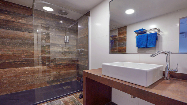 Villa-Bella-Dalt-37-Bedroom-3-en-suite.j
