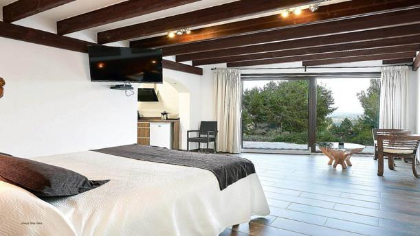 Villa-Bella-Dalt-27-Bedroom-1.jpg