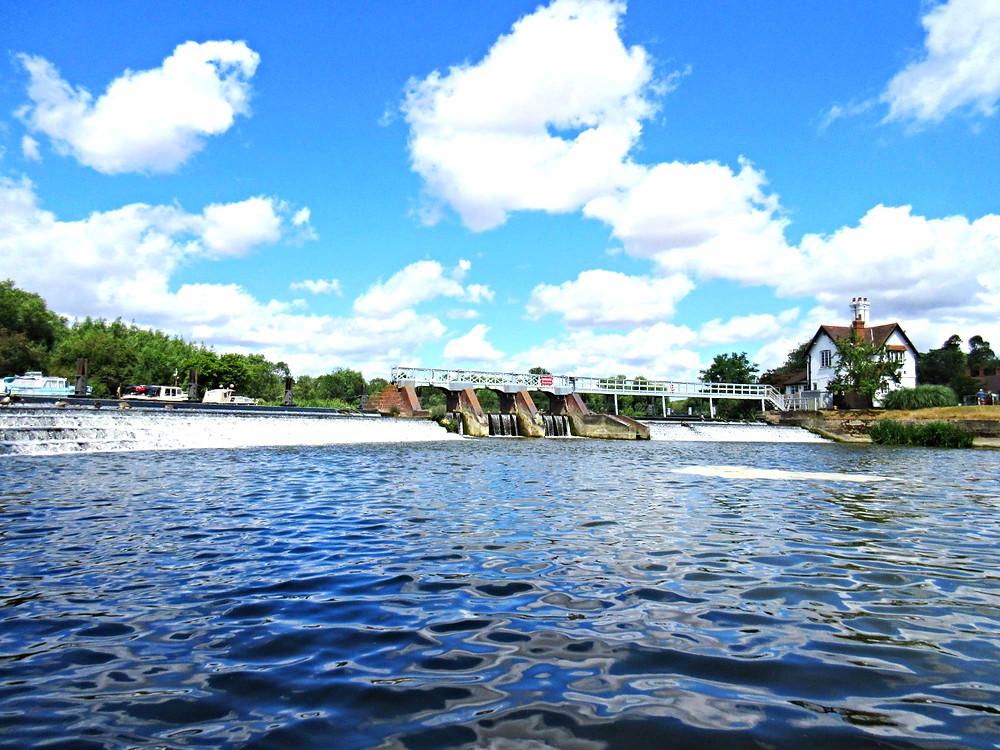 River Thames Weir pool fishing