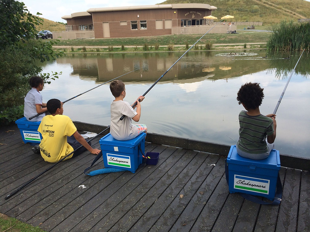 Beginners fishing, learning to fish