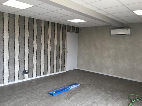 Bureau : papier peint déco + sol PVC