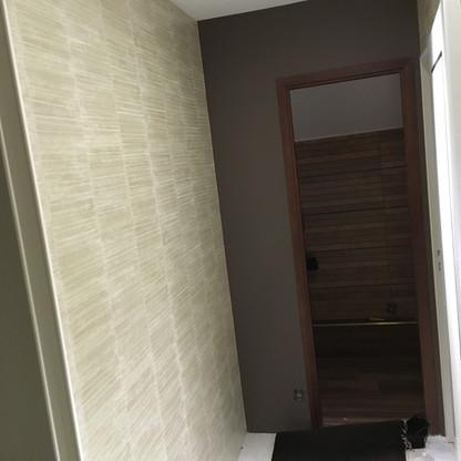 Couloir : papier peint déco + peinture