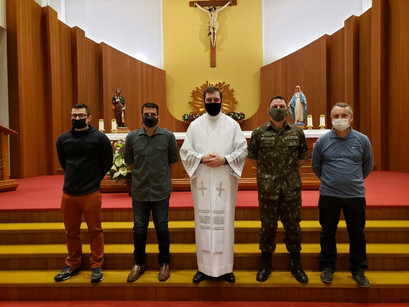 6º BCom participa da Missa com intenção especial pelo Dia do Soldado, na Paróquia São Roque
