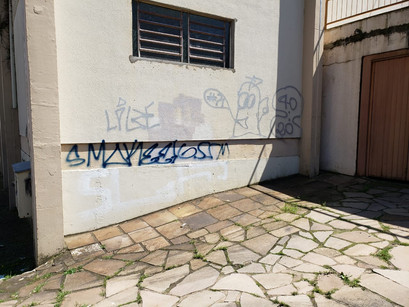 Paróquia São Roque lamenta atos de vandalismo no salão paroquial e arredores