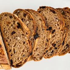לחם מחמצת שאור 100% כוסמין מלא.jpg